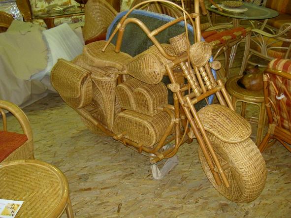 Motorrad aus Rattan