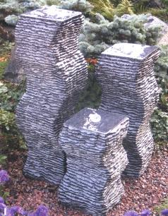 Kiyoshi Granitquellsteinsäulen