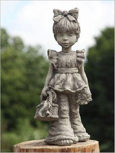 Mädchenfigur Lucy