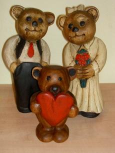 handgeschnitzte Hochzeitsbären