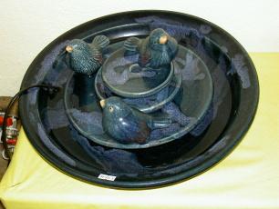 Zimmerbrunnen mit drei Vögel